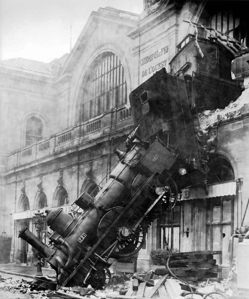 800px-Train_wreck_at_Montparnasse_1895
