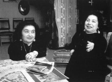 Elisabeth et Perla Moshkowitz, deux jumelles naines du zoo humain de Mengele : elles vont survivre à la libération