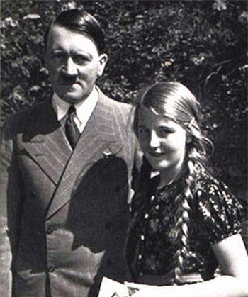 Geli Raubal et Adolf Hitler