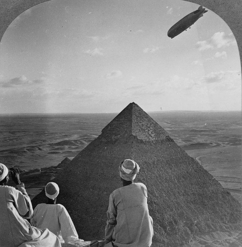 Le dirigeable en Egypte