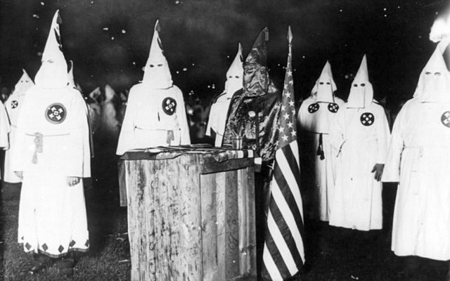 KKK_night_rally_in_Chicago_c1920_cph.3b12355-640x400