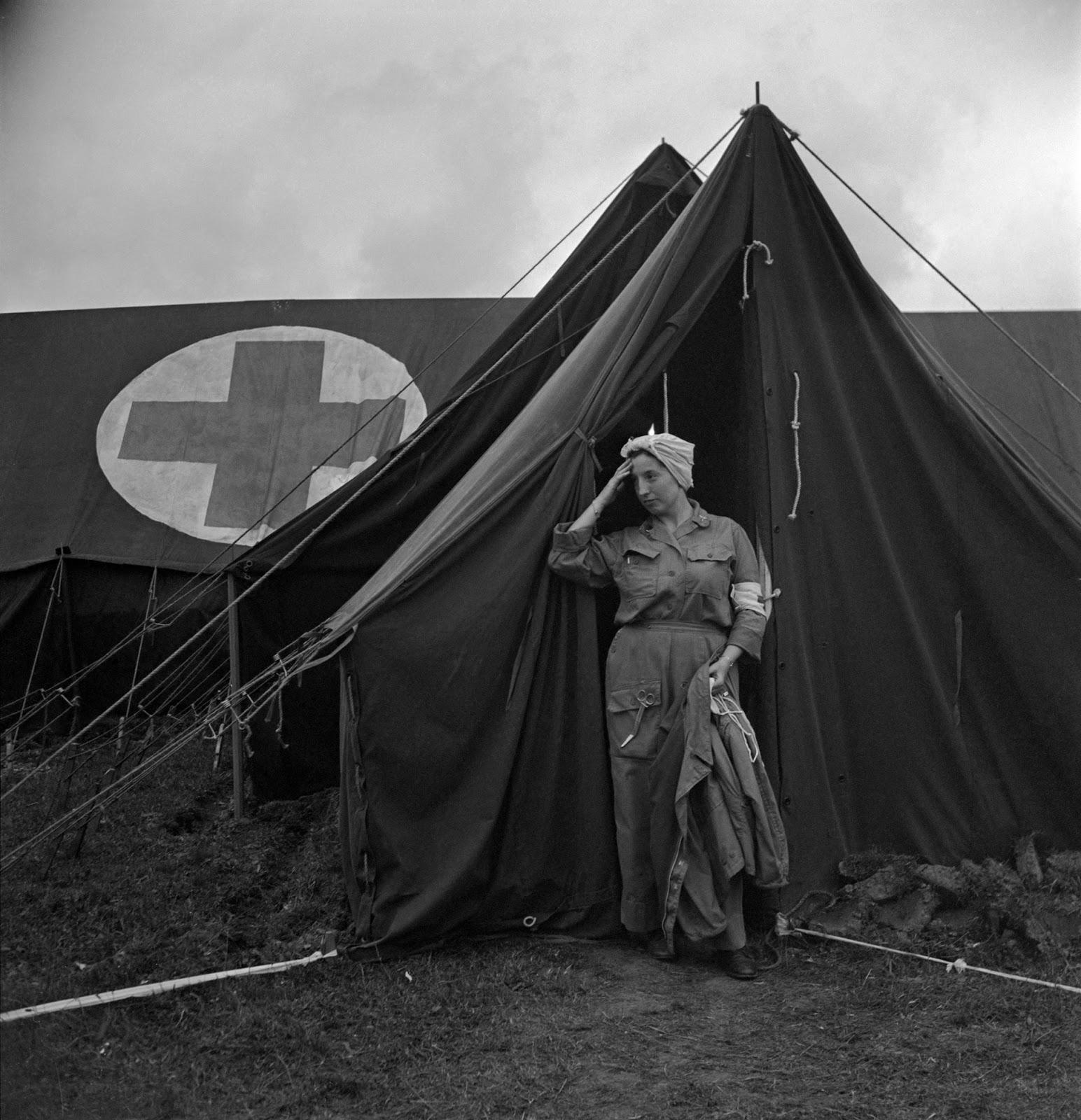Lee-Miller-women-WWII-5