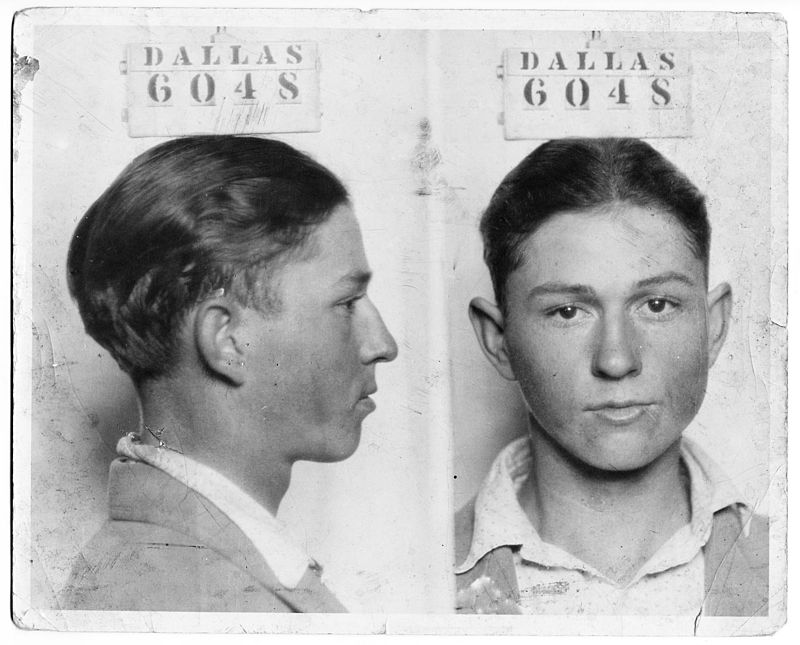 Clyde_Champion_Barrow_Mug_Shot_-_Dallas_6048