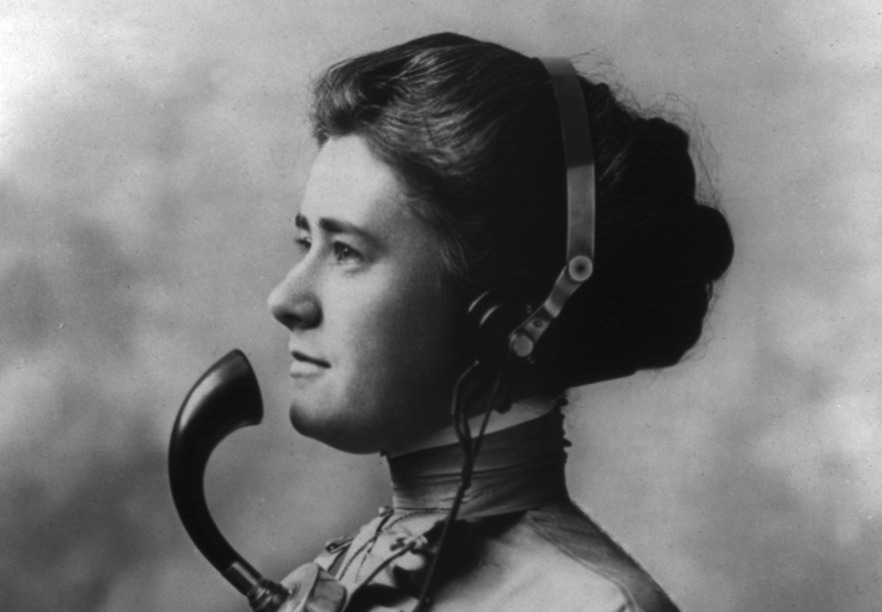 800px-A_Telephone_Operator