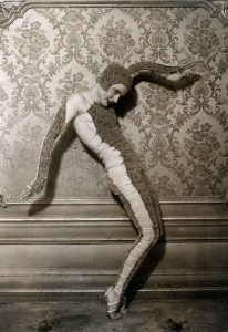 Helena_Shelda_in_the_Snake_Charmer_Dance