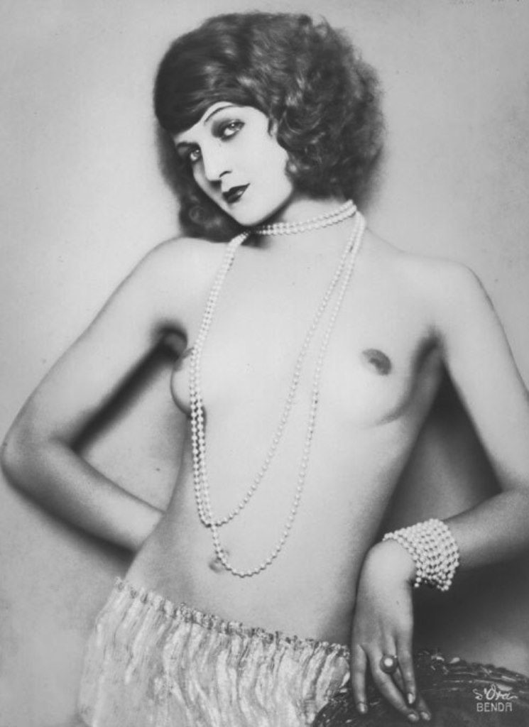 Topless_Anita_Berber_around_1921._02